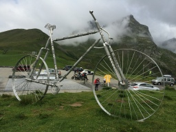 On traveling overseas with bicycles