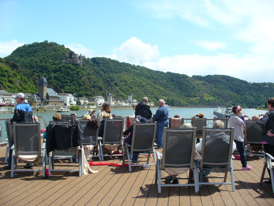 Cruising along the Rhine (8)
