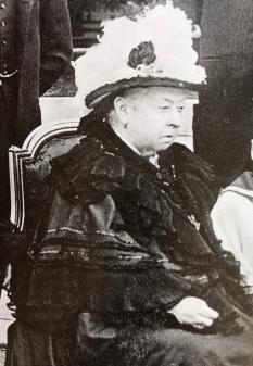 Queen Vic 1