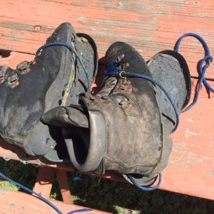 hiking-boots.jpg