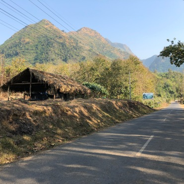 Laos cycle to Nong Khiaw (25)
